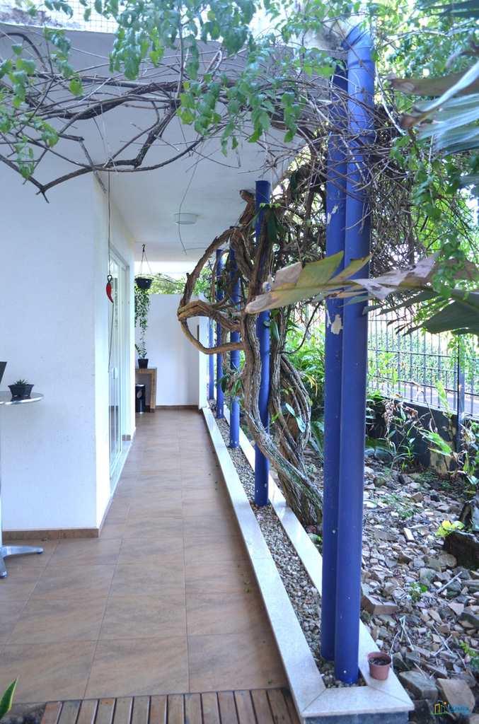 Casa Comercial em Londrina, no bairro Jardim Shangri-La A