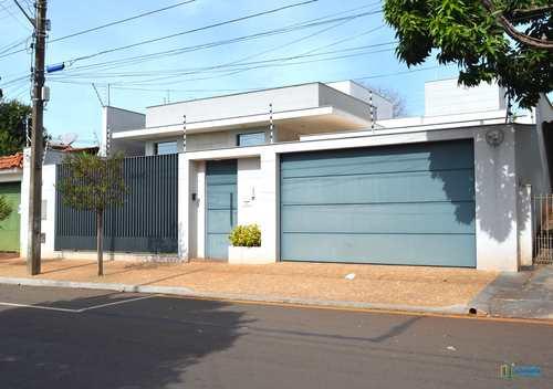 Casa, código 319 em Ibiporã, bairro Centro
