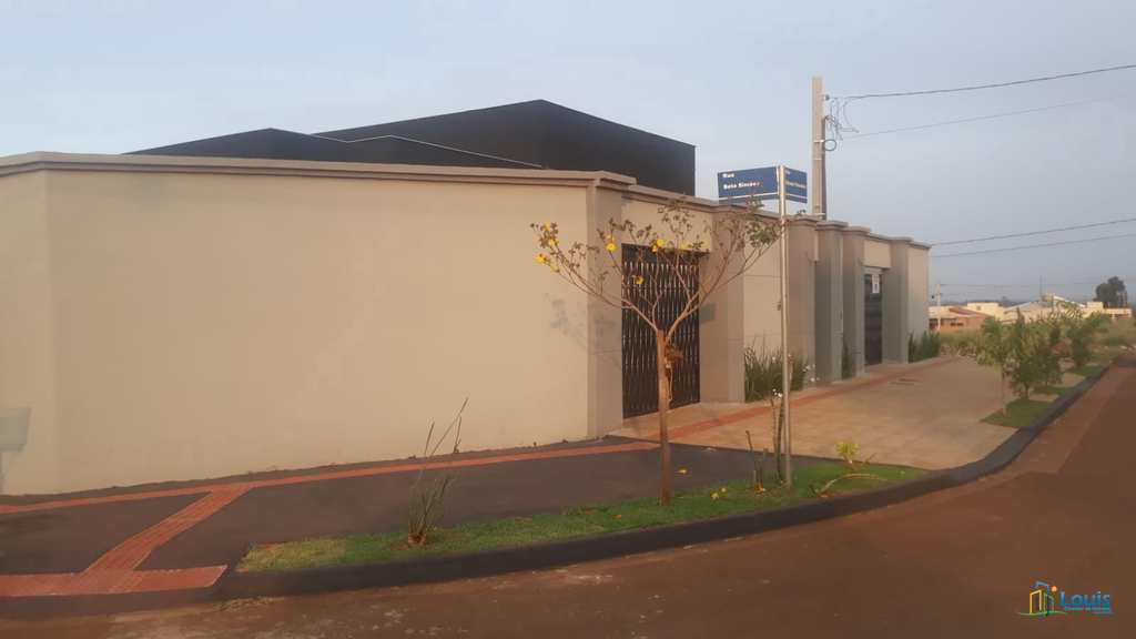 Casa em Londrina, no bairro Colinas