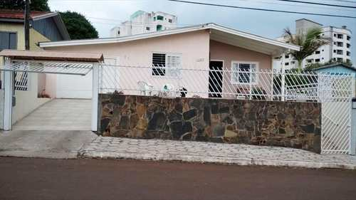 Casa, código 700 em Chapecó, bairro Jardim América