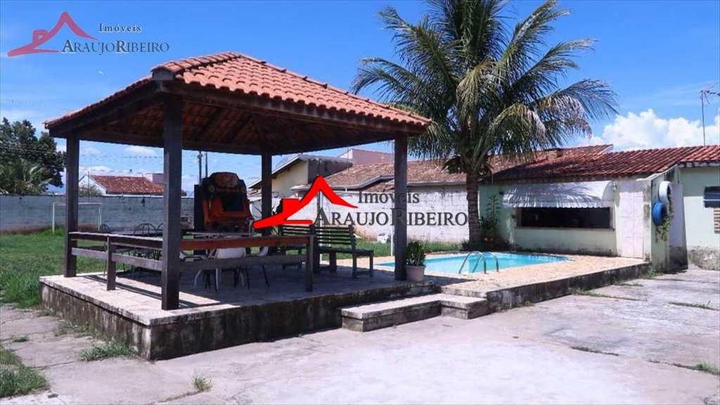 Casa em Taubaté, no bairro Piracangaguá