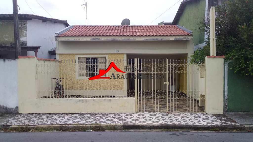 Casa em Taubaté, no bairro Parque São Luís