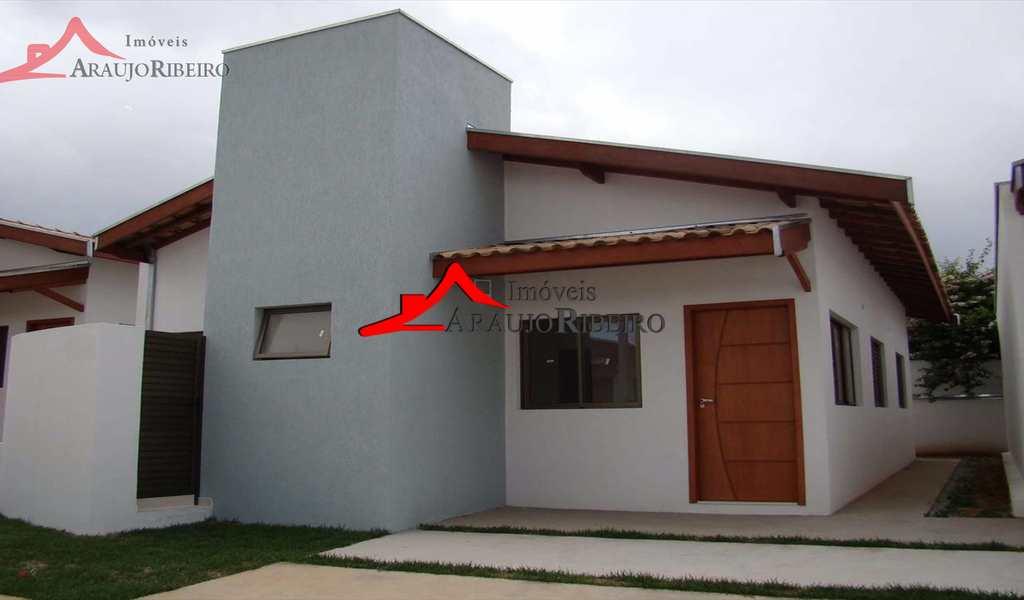 Casa de Condomínio em Taubaté, bairro Barreiro