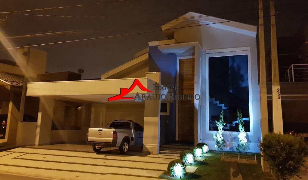 Casa em Tremembé, bairro Caminho Novo