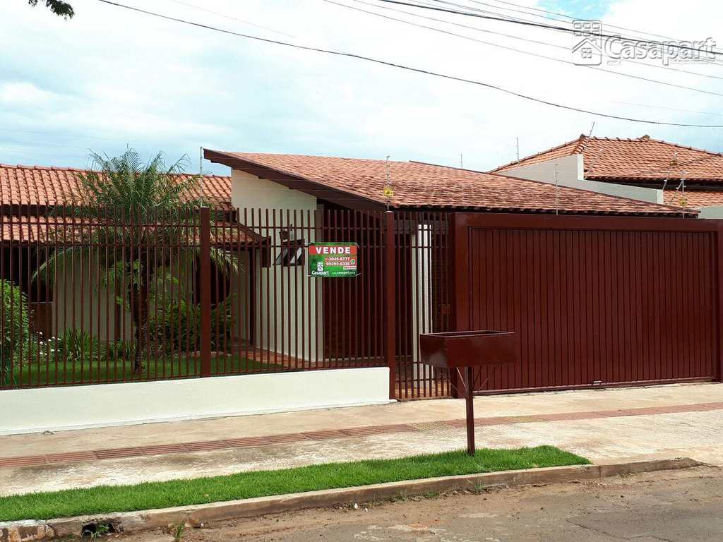 Casa em Campo Grande, bairro Jardim São Lourenço