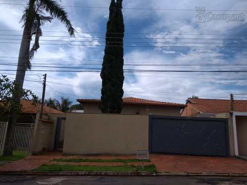 Casa, código 213 em Campo Grande, bairro Carandá Bosque
