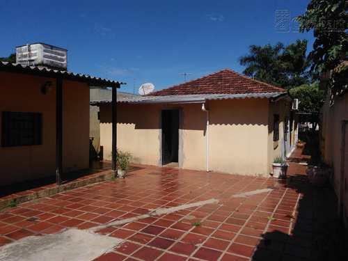 Casa Comercial, código 227 em Campo Grande, bairro Amambaí