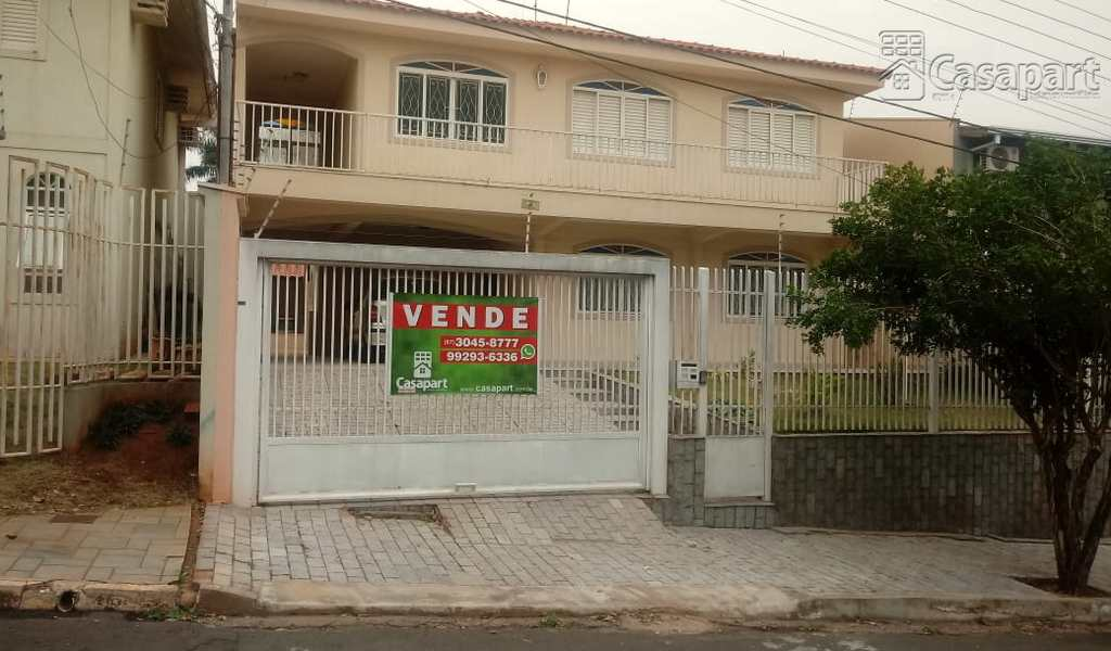 Sobrado em Campo Grande, bairro Vila Rosa Pires