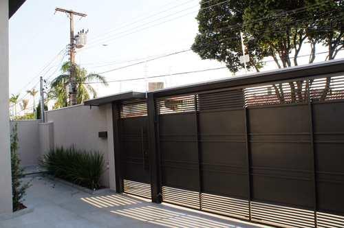 Casa, código 549 em Campo Grande, bairro Carandá Bosque