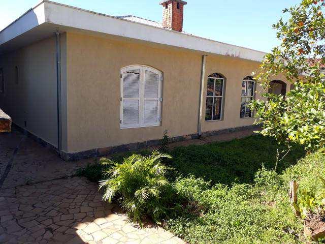 Casa em São Roque, no bairro Centro (Mailasqui)