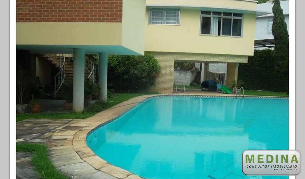 Casa em São Gonçalo, bairro Centro
