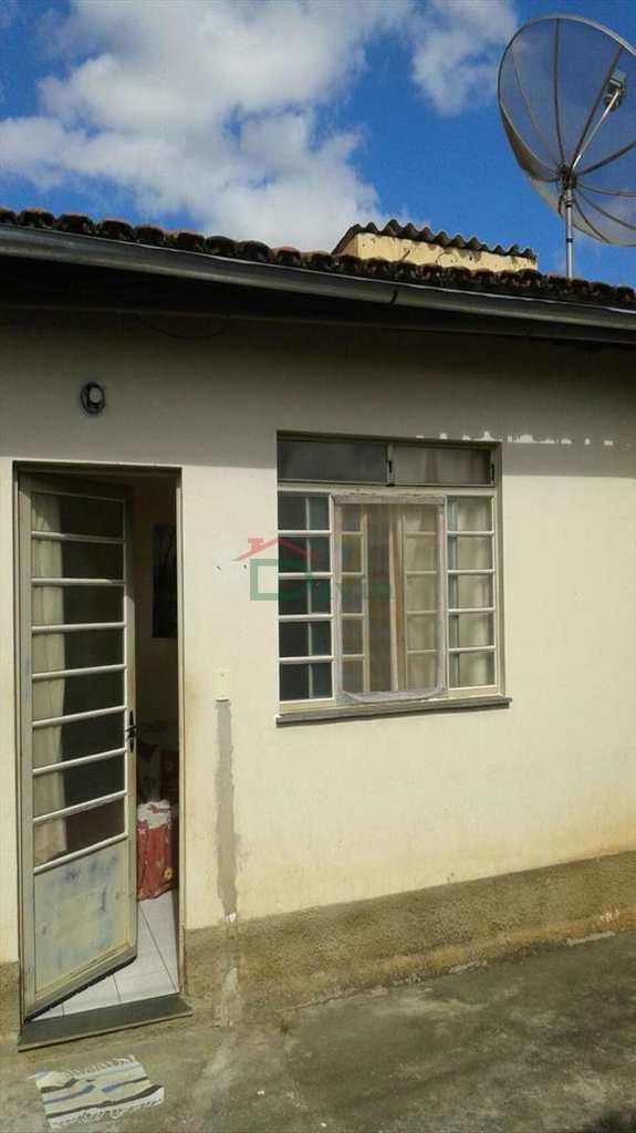 Casa em São João Del Rei, bairro Residencial Girassol