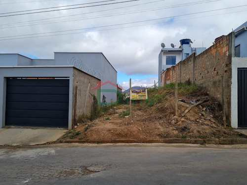 Terreno, código 122 em São João Del Rei, bairro São Dimas