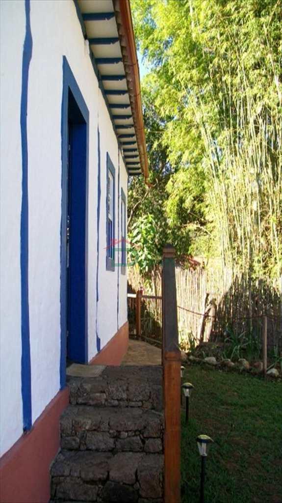 Casa em Tiradentes, no bairro Bichinho