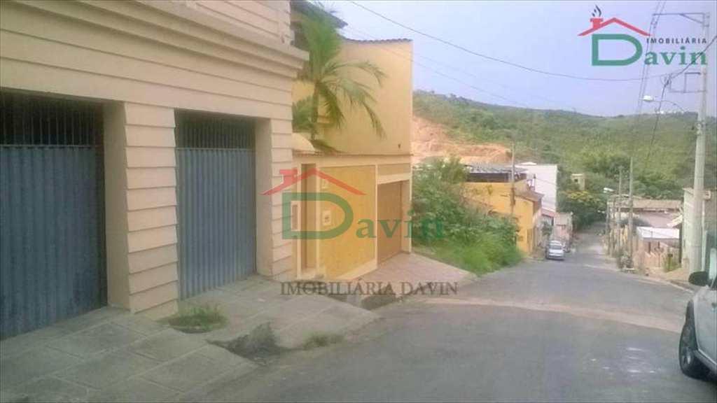 Casa em São João Del Rei, no bairro Vila João Lombard (Fábricas)