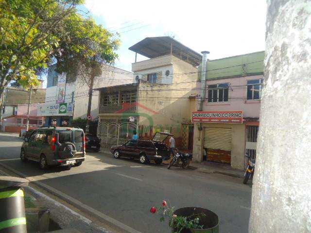 Casa Comercial em São João Del Rei, bairro Fábricas