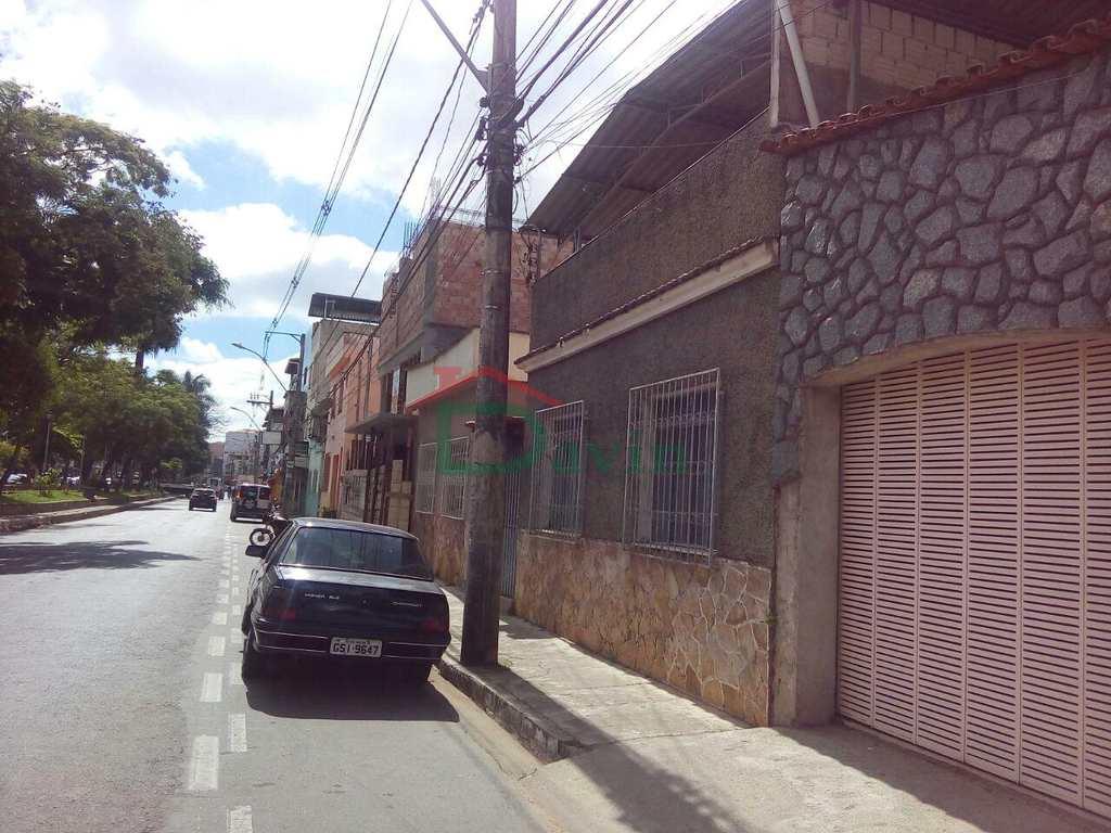 Casa em São João Del Rei, bairro Fábricas
