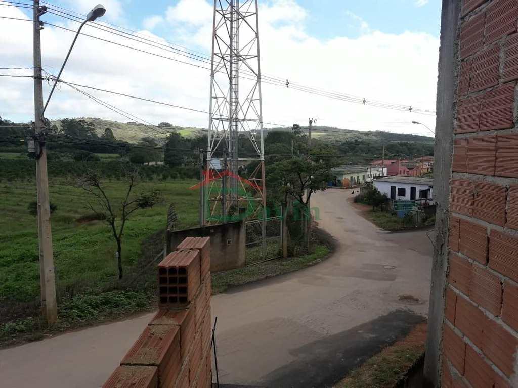 Casa em São João Del Rei, no bairro Colônia do Giarola