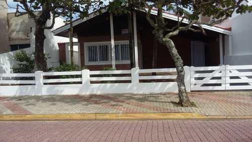Casa, código 440 em Itanhaém, bairro Centro