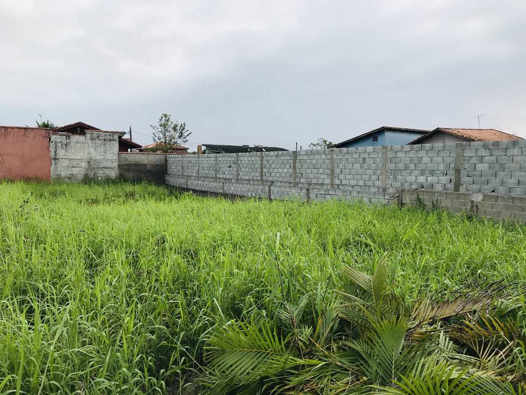 Terreno em Itanhaém, no bairro Bopiranga