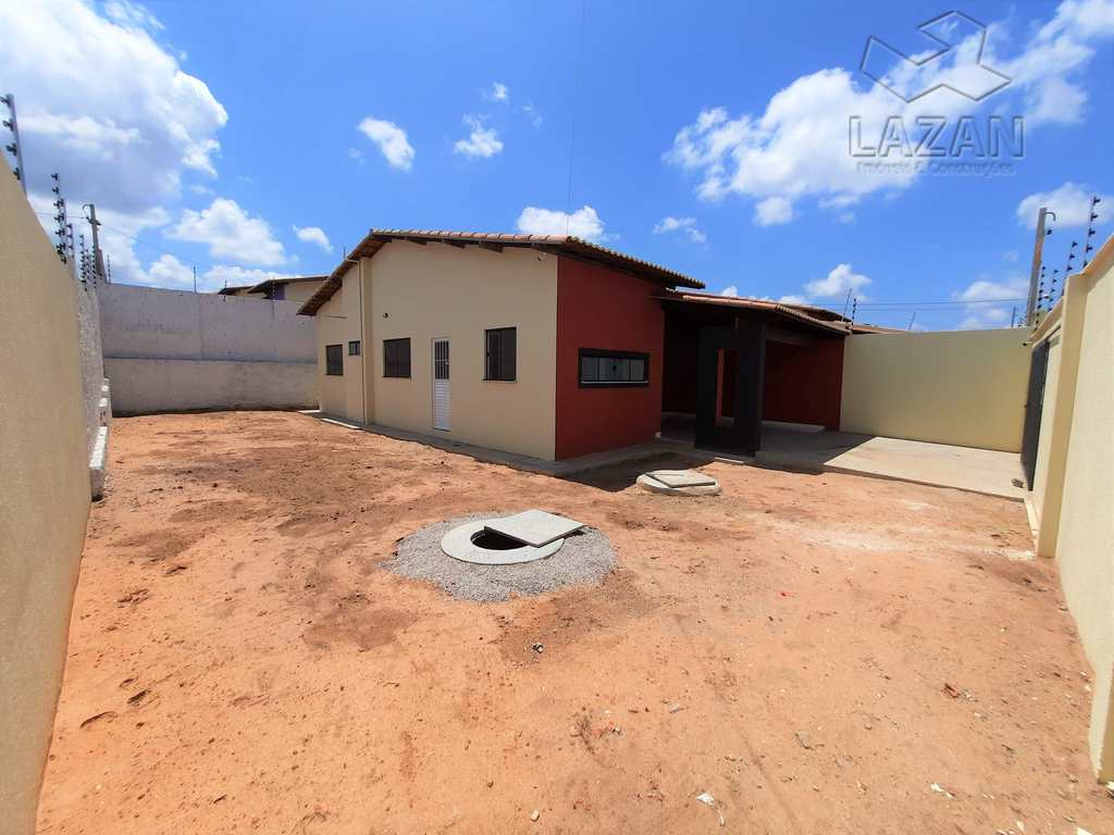 Casa em São Gonçalo do Amarante, no bairro Santos Dumont