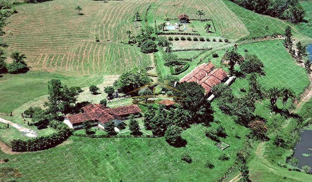 Fazenda em Pariquera-Açu, bairro Centro