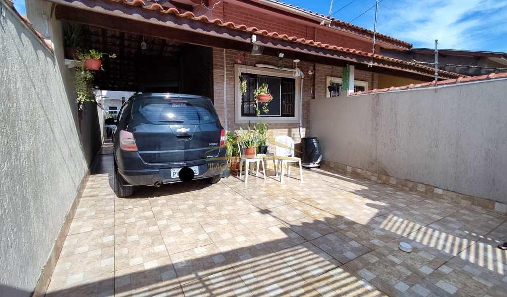 Sobrado em Itanhaém, bairro Bopiranga