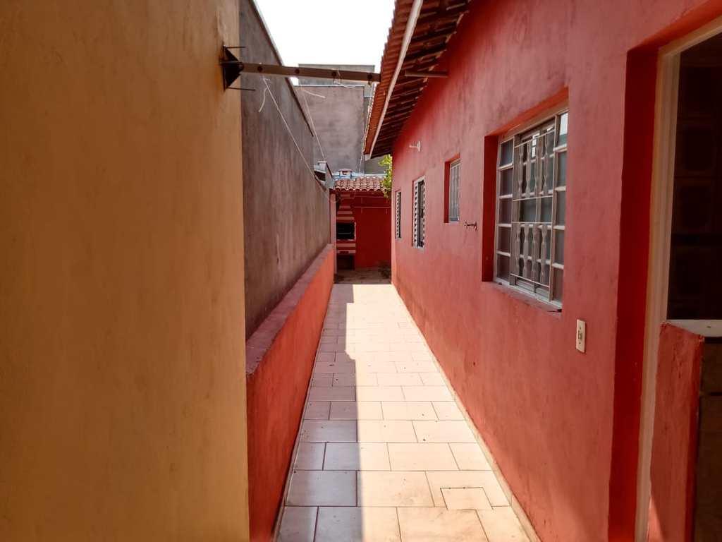 Casa em Itu, no bairro Parque América