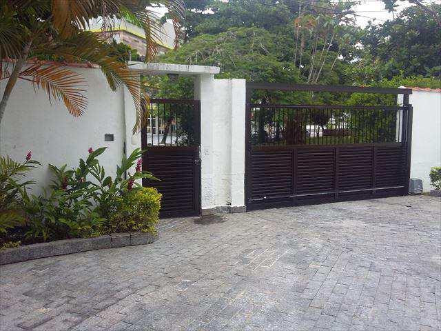 Apartamento em Guarujá, bairro Jardim Três Marias