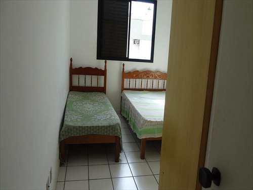 Apartamento, código 4183 em Guarujá, bairro Jardim Praiano