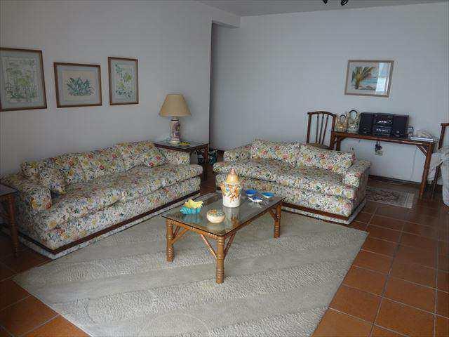 Apartamento em Guarujá, bairro Loteamento João Batista Julião
