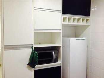 Apartamento, código 3753 em Guarujá, bairro Vila Luis Antônio