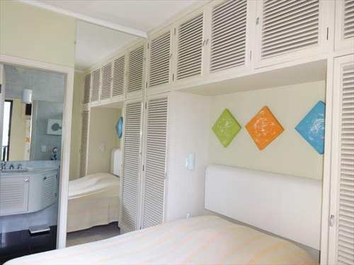 Apartamento, código 3712 em Guarujá, bairro Jardim Enseada