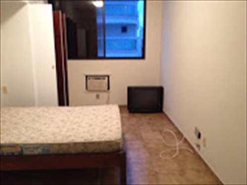 Apartamento, código 3724 em Guarujá, bairro Pitangueiras
