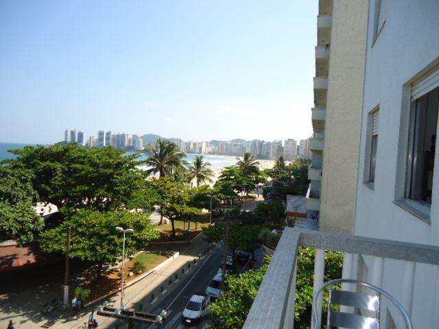 Apartamento em Guarujá, bairro Pitangueiras