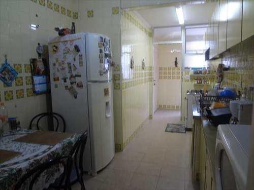 Apartamento, código 3450 em Guarujá, bairro Pitangueiras