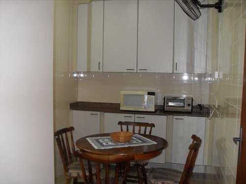 Apartamento, código 2588 em Guarujá, bairro Jardim Enseada
