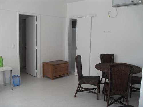 Apartamento, código 2416 em Guarujá, bairro Enseada