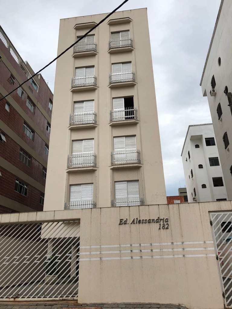 Apartamento em Guarujá, bairro Jardim Enseada