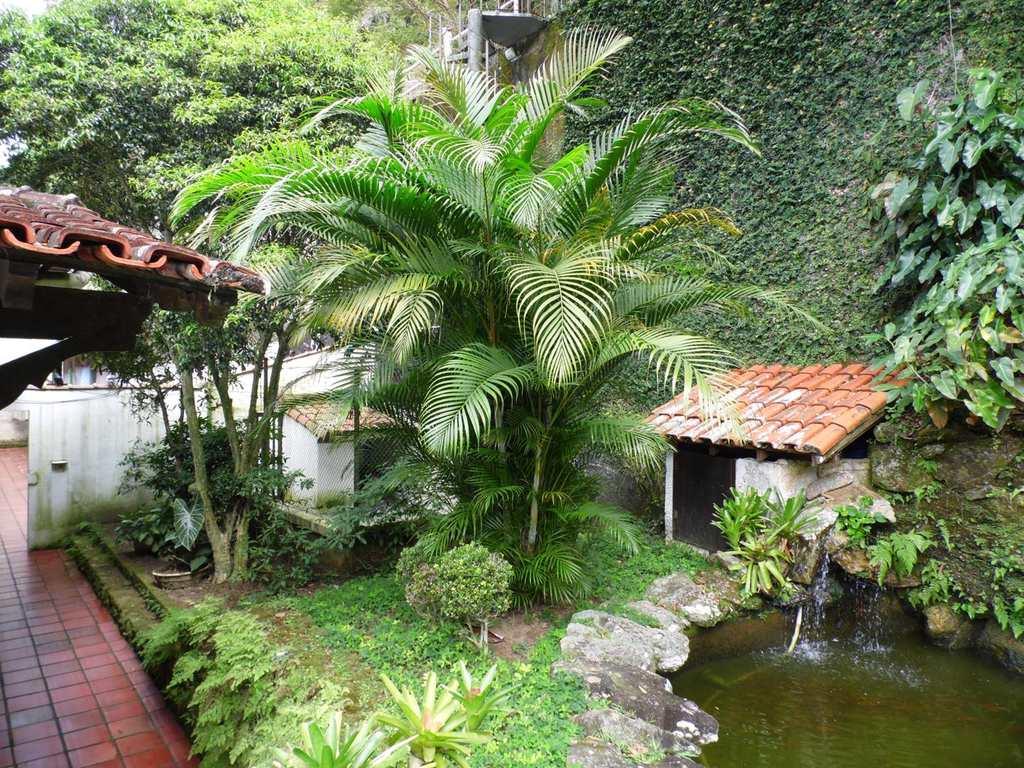 Casa em Guarujá, bairro Jardim Ideal