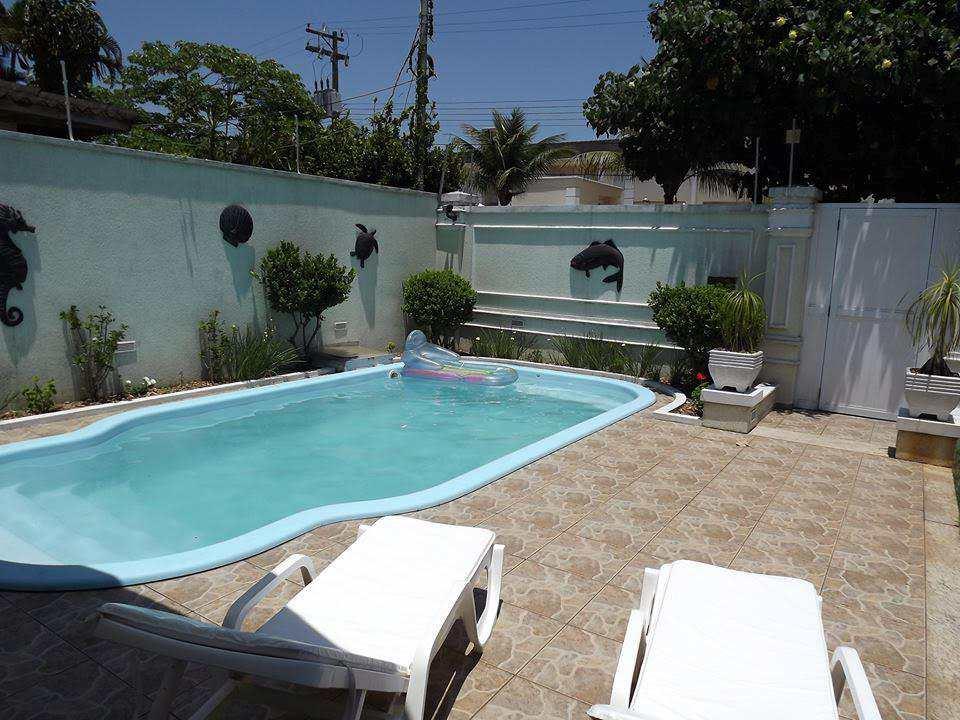 Casa em Guarujá, bairro Jardim Ana Maria