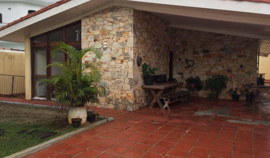 Casa em Guarujá, bairro Balneário Cidade Atlântica