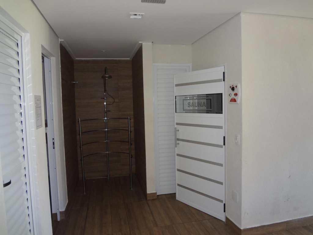 Apartamento em Guarujá, bairro Parque Enseada