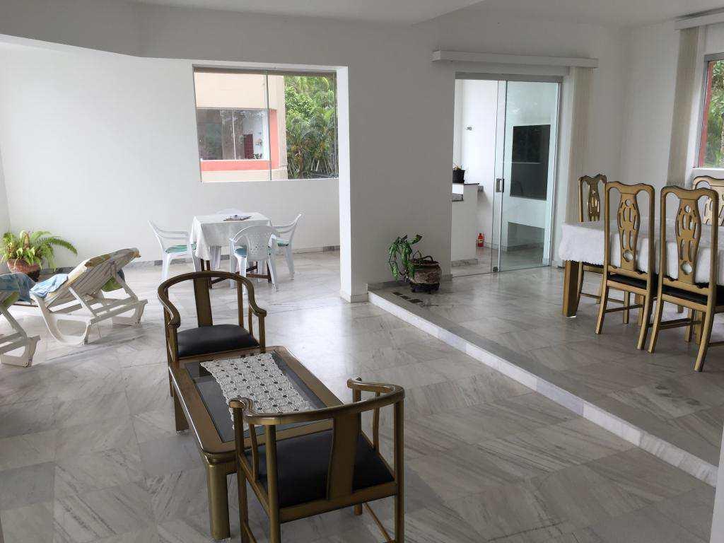 Apartamento em Guarujá, bairro Balneário Praia do Pernambuco