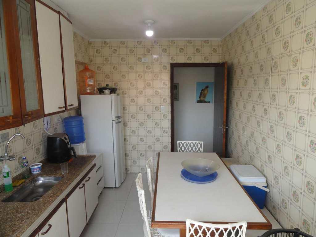 Apartamento em Guarujá, no bairro Jardim Las Palmas