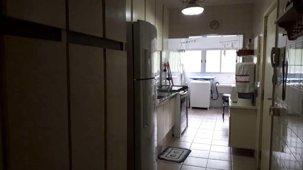 Apartamento em Guarujá, no bairro Pitangueiras