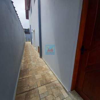 Sobrado em Itanhaém, bairro Suarão