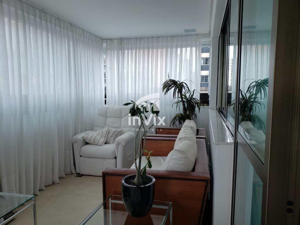 Apartamento em Vitória, no bairro Praia do Canto