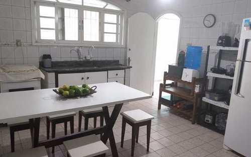 Casa, código 4801 em Praia Grande, bairro Boqueirão
