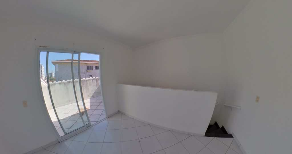 Casa de Condomínio em Praia Grande, no bairro Boqueirão